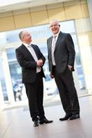 Business-Portrait von 2 Personen in Bremen für Volkswagen. Hochwertiges Business Portrait im Bereich Manager und Geschäftsführung - modern, sympathisch, authentisch