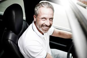 Werbefotografie im Raum Hamburg, Hannover sowie an jedem anderen Ort der Welt / Fotograf Michael Miklas, Fotograf für Werbe-, People- und Lifestyle Fotografie zeigt eine Fotostrecke mit dem Porsche Cayenne