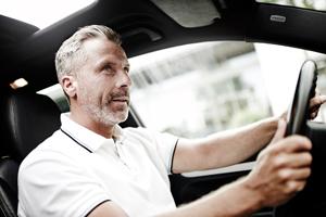 Michael Miklas, professioneller Werbefotograf im Raum Hannover zeigt eine Strecke aus dem Bereich der Image/ Lifestyle Fotografie wie sie für Kataloge und Prospekte bei Automobilherstellern wie Porsche, Audi und Mercedes zum Einsatz kommt.