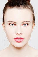 Michael Miklas, Fashion Fotograf aus Hannover, präsentiert hier neue Arbeiten aus der Beauty Fotografie. Entstanden in seinem Fotostudio bei Hannover, setzt er sein Gegenüber gekonnt ins rechte Licht und fängt immer wieder besondere Momente ein.