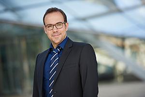 Das professionelle Business Portrait macht den Unterschied. Fotografiert in Hannover und Hamburg von Michael Miklas Photography. Professionell, sympathisch und authentisch