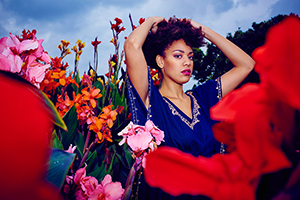 Pauline Afaja, Hamburg, by Fashion Fotograf Michael Miklas on Location in Hannover. Was für Farben. Die Blumen geben eine wunderbare Kulisse für diesen Fashion Shoot.